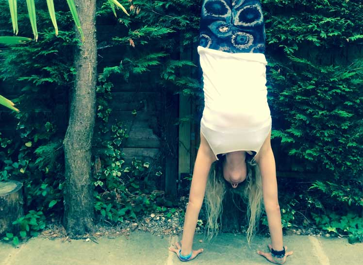 8-Ways-To-Take-Your-Yoga-Practice-Off-The-Mat-&-Into-The-World-inversions