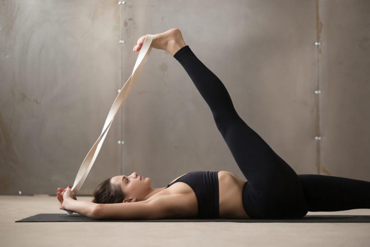 Namaste-in-Bed-Easy-Morning-Yoga-Poses-3