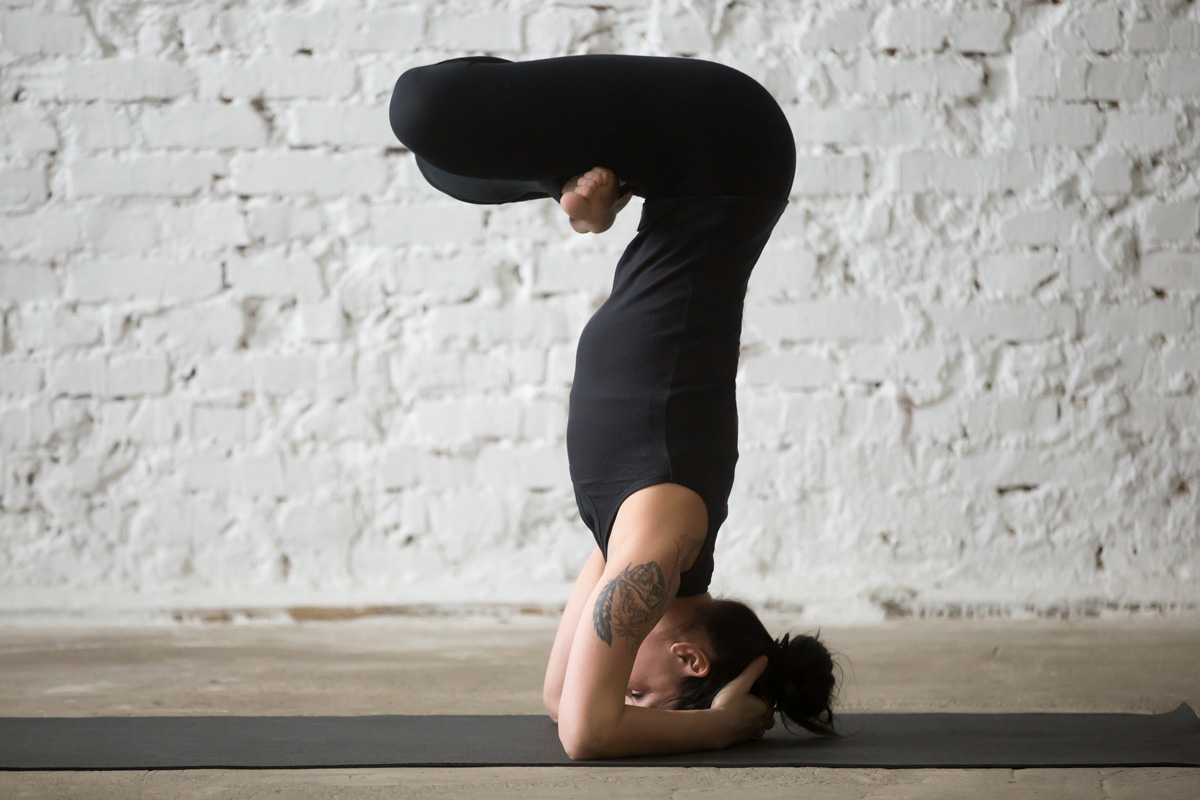 The-Amazing-Health-Benefits-of-Headstands-1